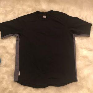 Nike L shirt